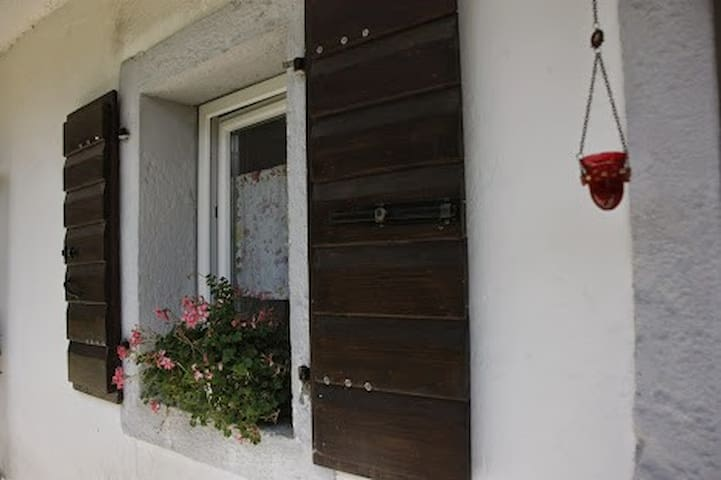 VACATION HOME IN MARSURE DI AVIANO - Marsure di Aviano - Daire