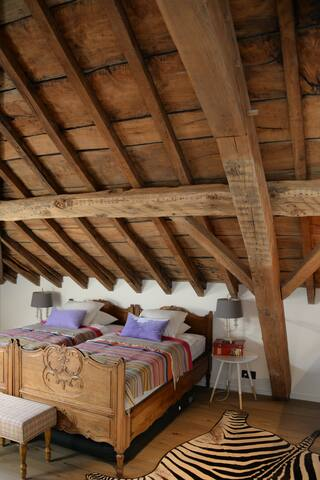 Comfortable room in renovated attic - Grez-Doiceau - House