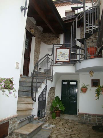"The B&B ""Al Vicolo del Cilento""  - Felitto - Penzion (B&B)"
