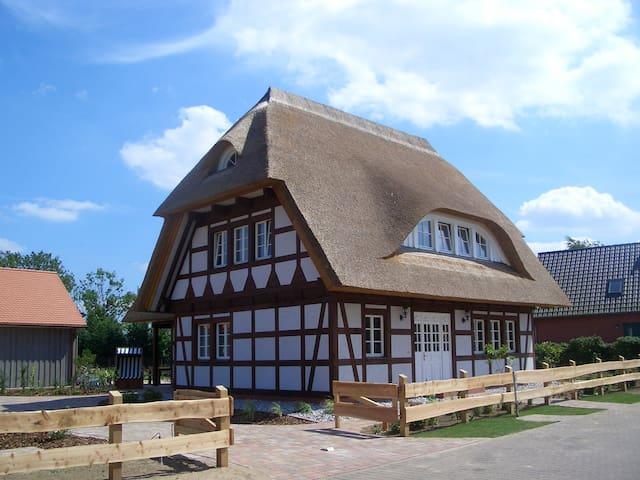 Ferienhaus Bootshaus u. Badesteg - Grüssow - Huis