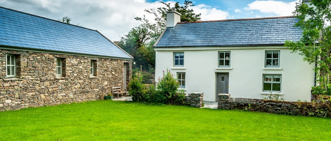 Rustic holiday cottage near Bantry
