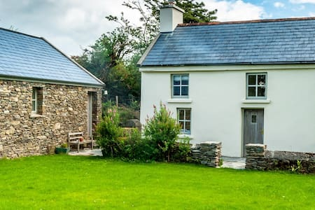 Rustic holiday cottage near Bantry - Bantry - Hus
