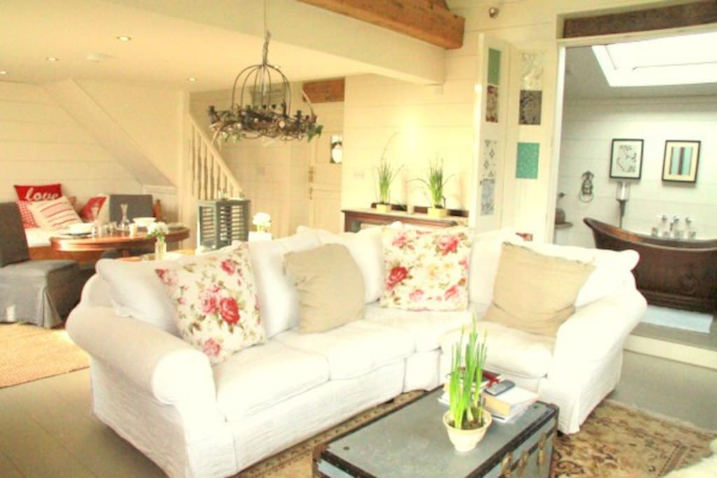 The garden room 5 boutique barn apartments for rent in for Garden rooms cheshire