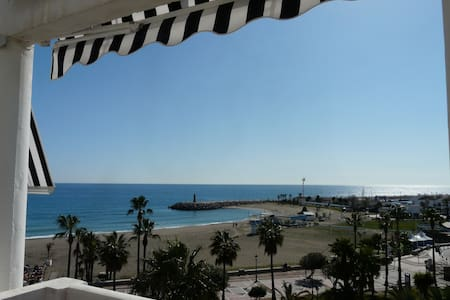 PUERTO BANUS FRONTAL SEA VIEW  - Marbella