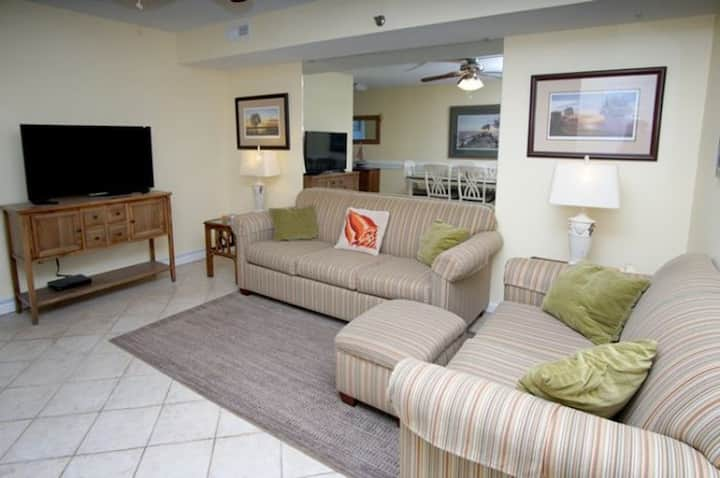 San-A-Bel 302, Lovely 2 BR OF Condo w/Indoor Pool