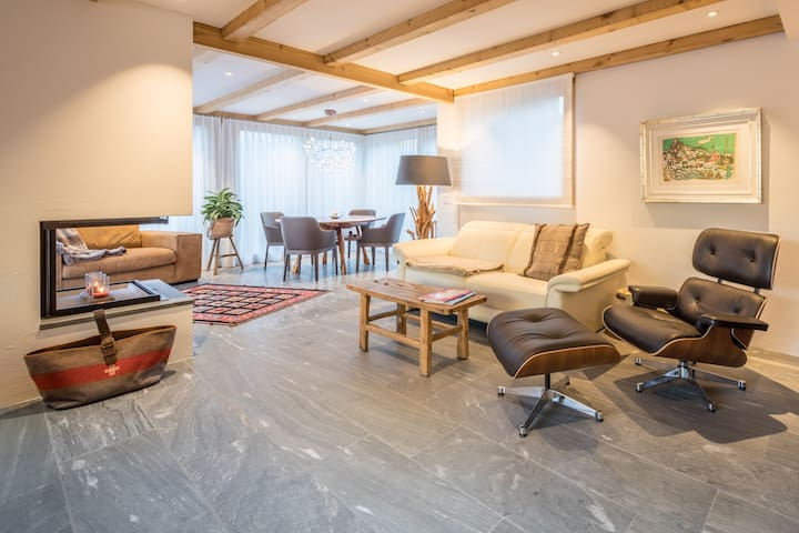 Luxurious ski-in / ski-out Chalet above Flims