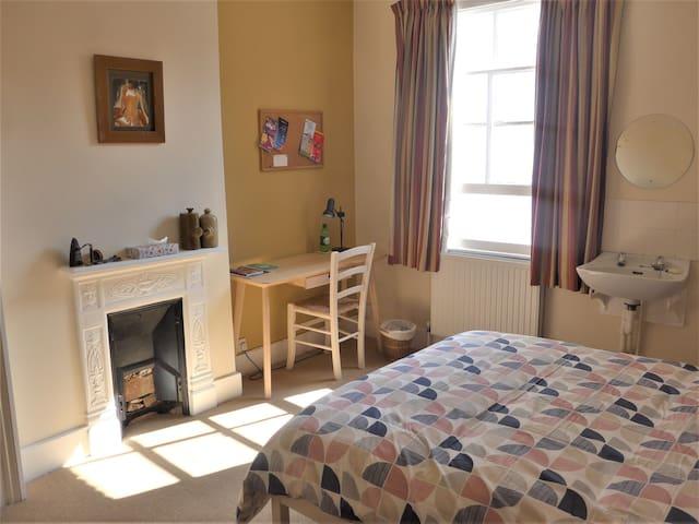 Comfortable quiet room nr centre/Brookes/hospitals