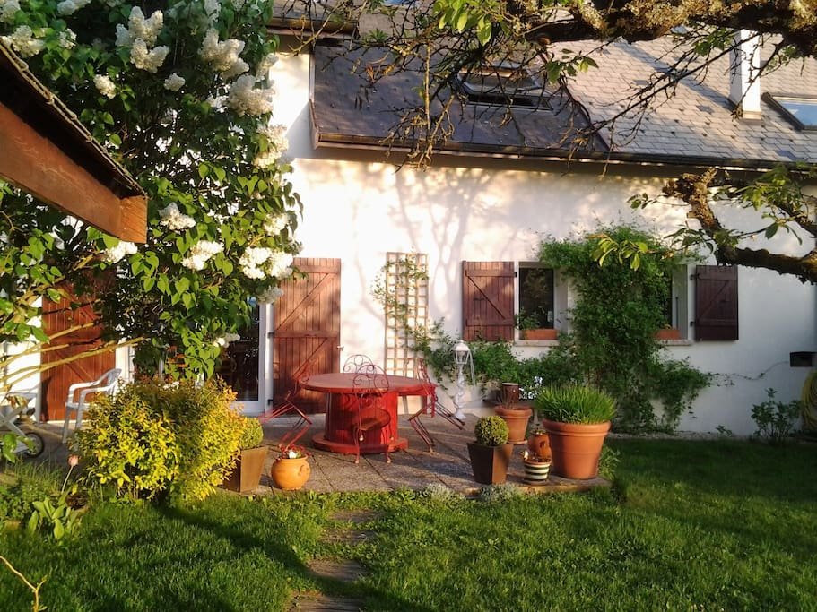 Maison savoyarde balcon d 39 annecy bed breakfast for Annecy maison a louer