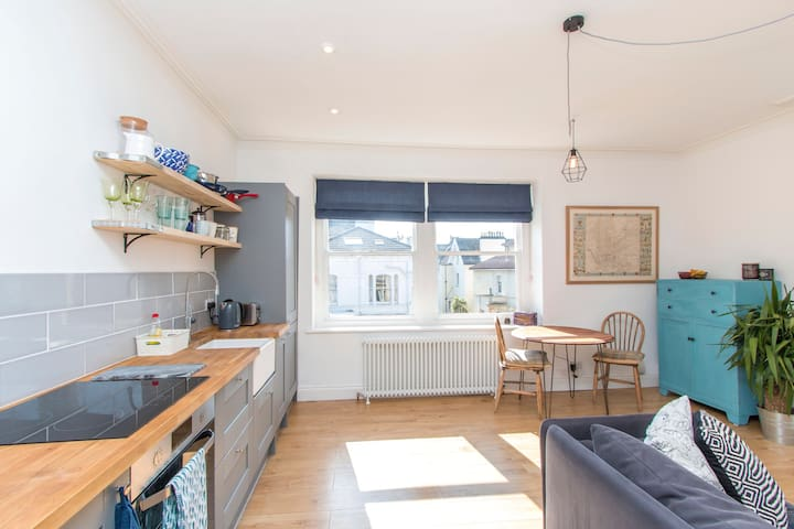 Stylish apartment close to City Centre & Clifton - Redland - Daire