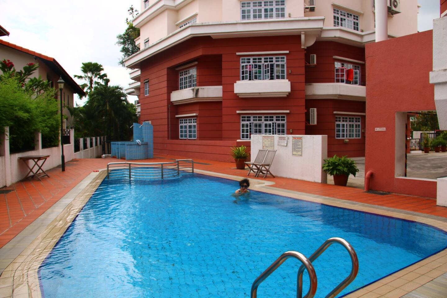 the condo's facilities, BBQ and swimming pool