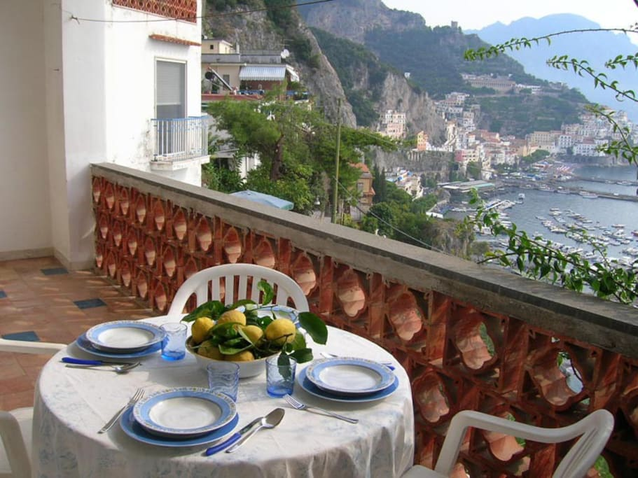 Casa belvedere apartments for rent in amalfi campania for Apartments amalfi
