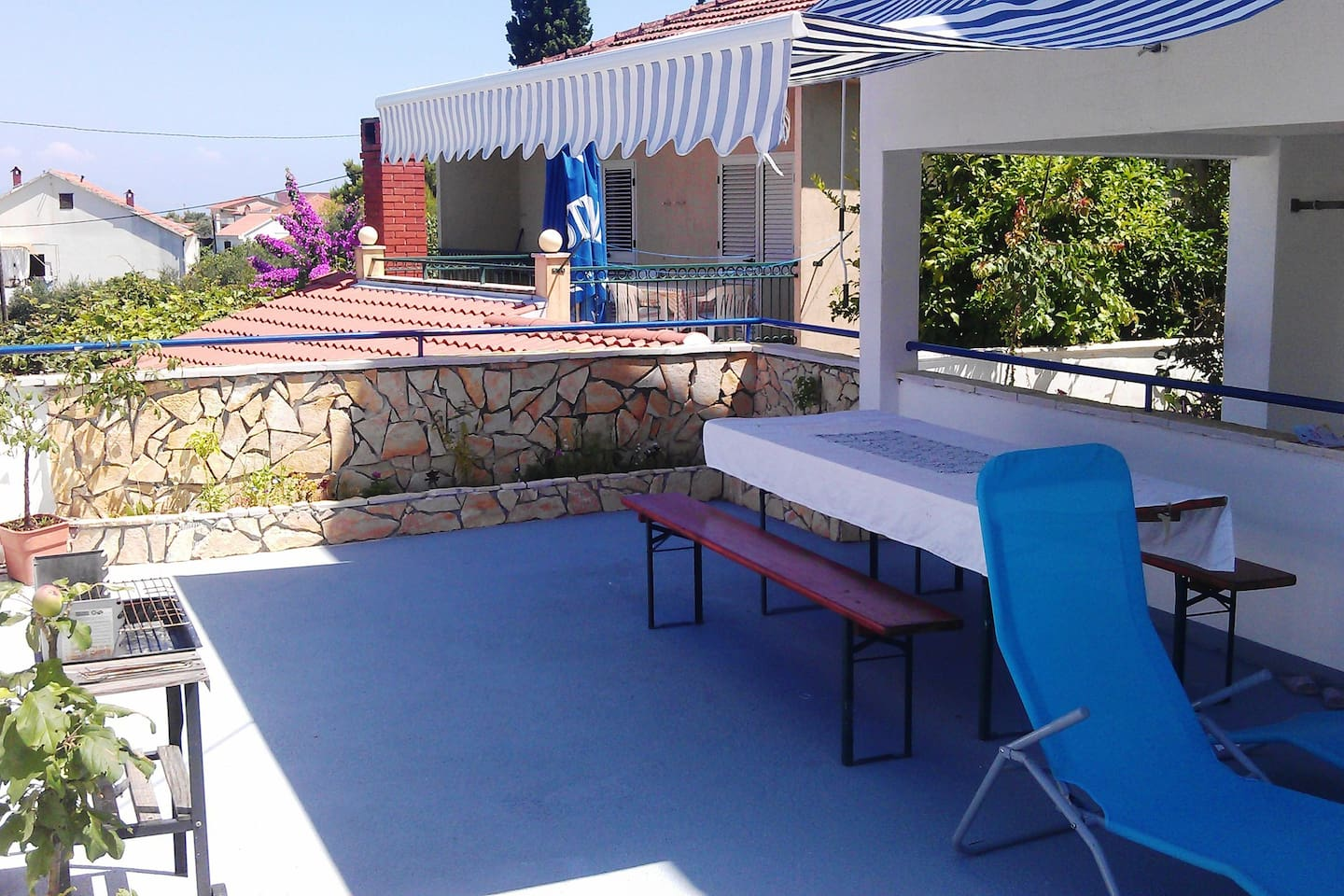 Terrace with sea view (new look)