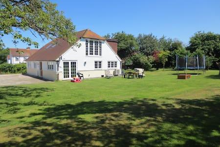 Idyllic House in Canterbury - Kent - Rumah