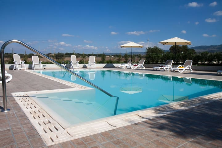 Serravalle Relais&Country Villa with private pool