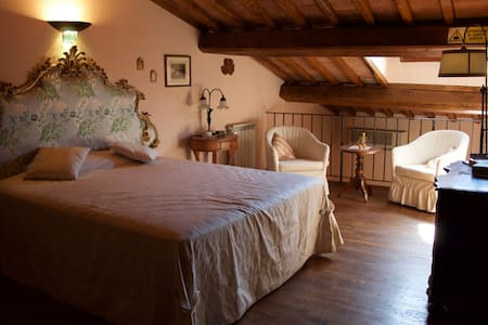romantic and quiet apartment in the city centre. - Florència - Pis
