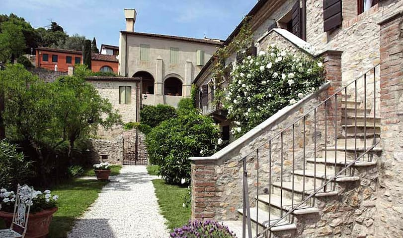CASA ZORZI -NEAR VENICE IN A MEDIEVAL VILLAGE   /i - arqua petrarca - Appartement