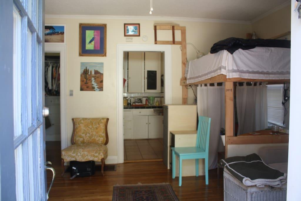 Roomy Studio