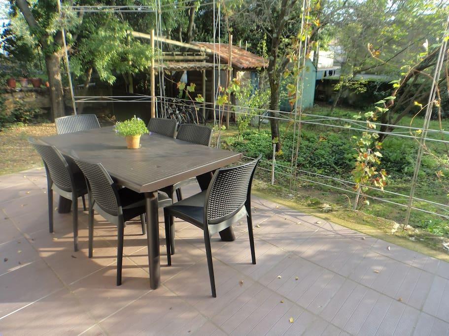 Terrasse et jardin.