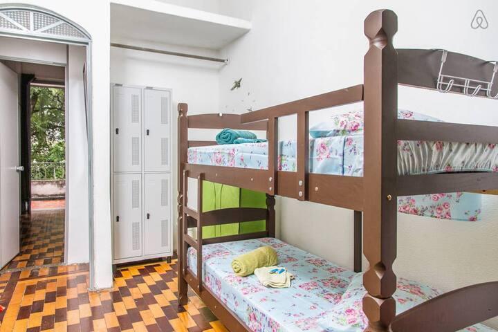 Tarifa por persona en habitaci n colectiva dormitorios for Habitacion tarifa
