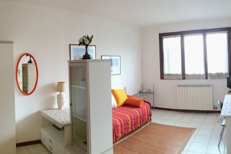 Cozy studio in the very centre - Castano Primo - Wohnung