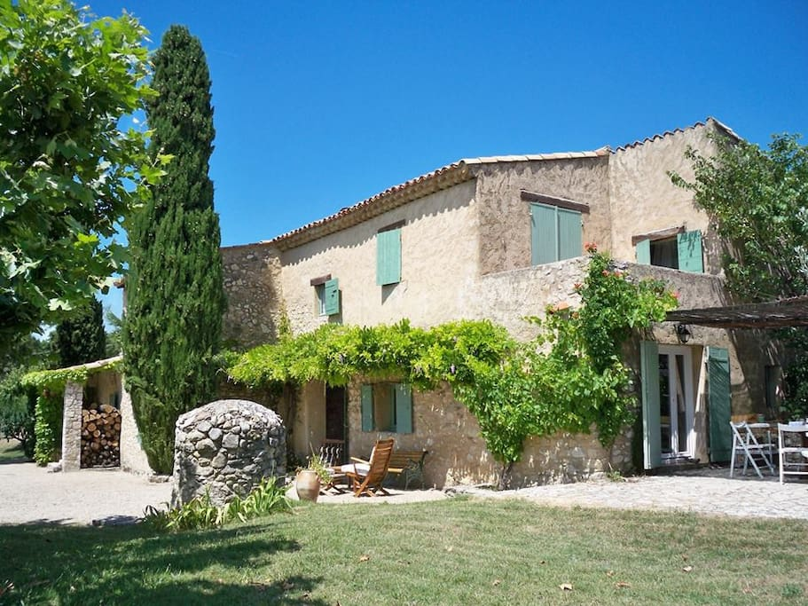 Proven al house the espinettes houses for rent in cabri res d - Photo de mas provencal ...