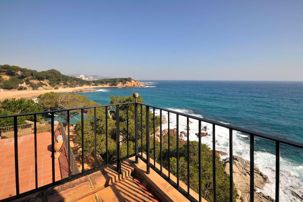 Une vue sensationnelle sur la mer et la plage SaConca