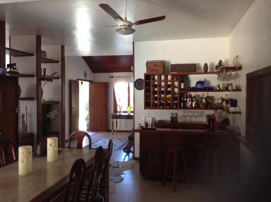 Entrada, bar e Sala de Refeições
