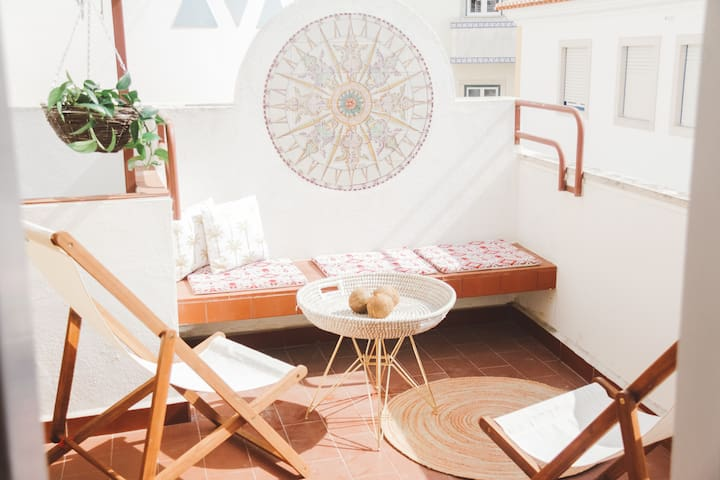 MAGIC QUIVER SURF LODGE No.13 - Ericeira - Bed & Breakfast