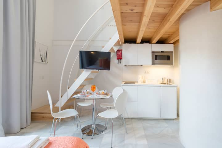 Malaga City Breaks - Superior Apartment
