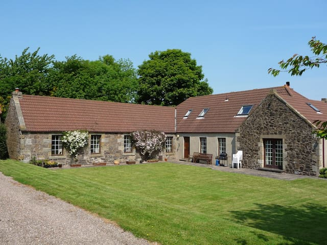 Double or Twin Bed rooms - Cupar - Bed & Breakfast