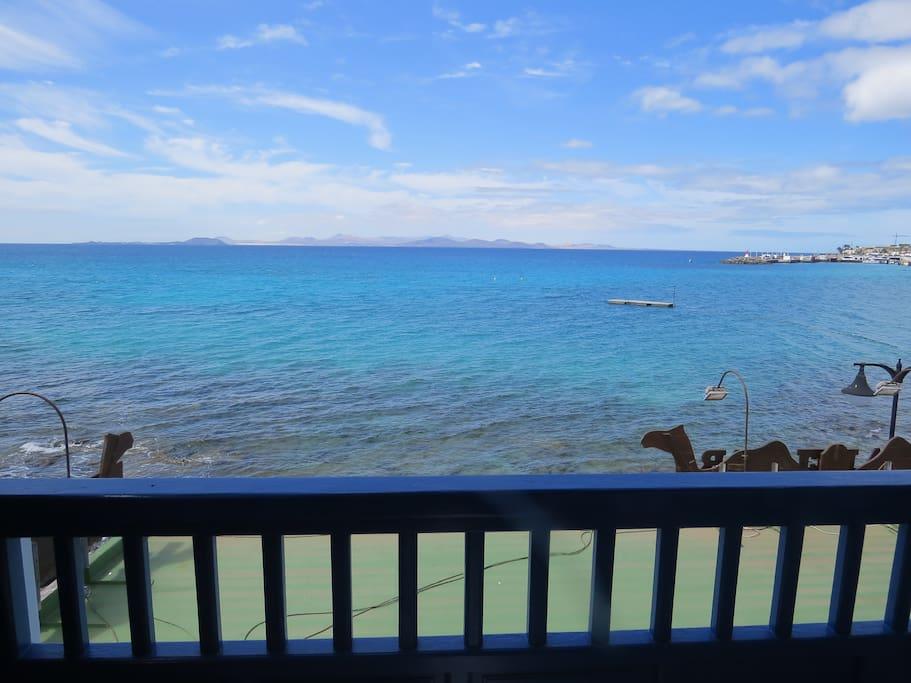 Terraza con vistas a Fuerteventura