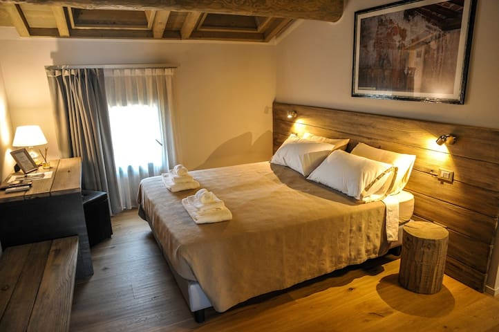 GERMANO Romantic Suite | Garda Lake and Venice