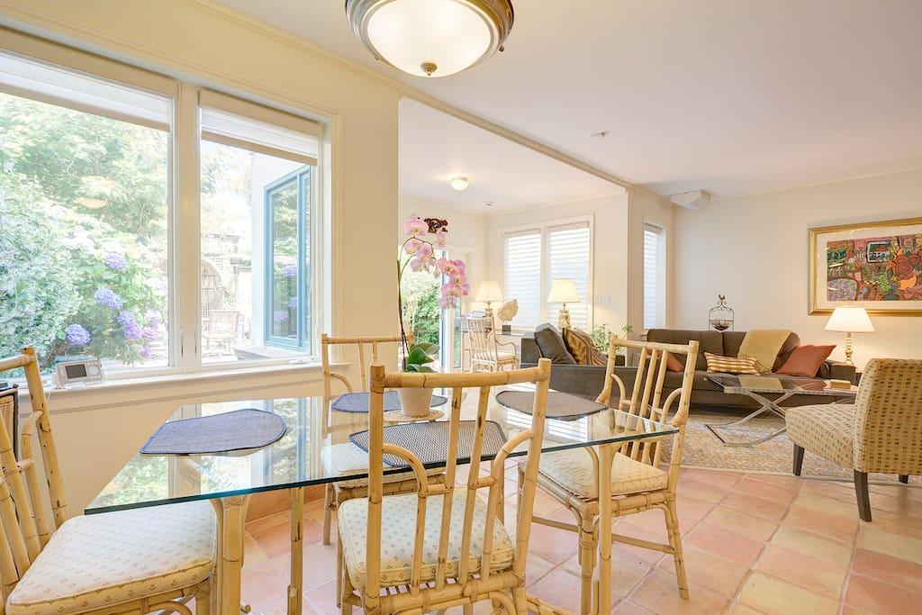 Full size dining area with lots of light