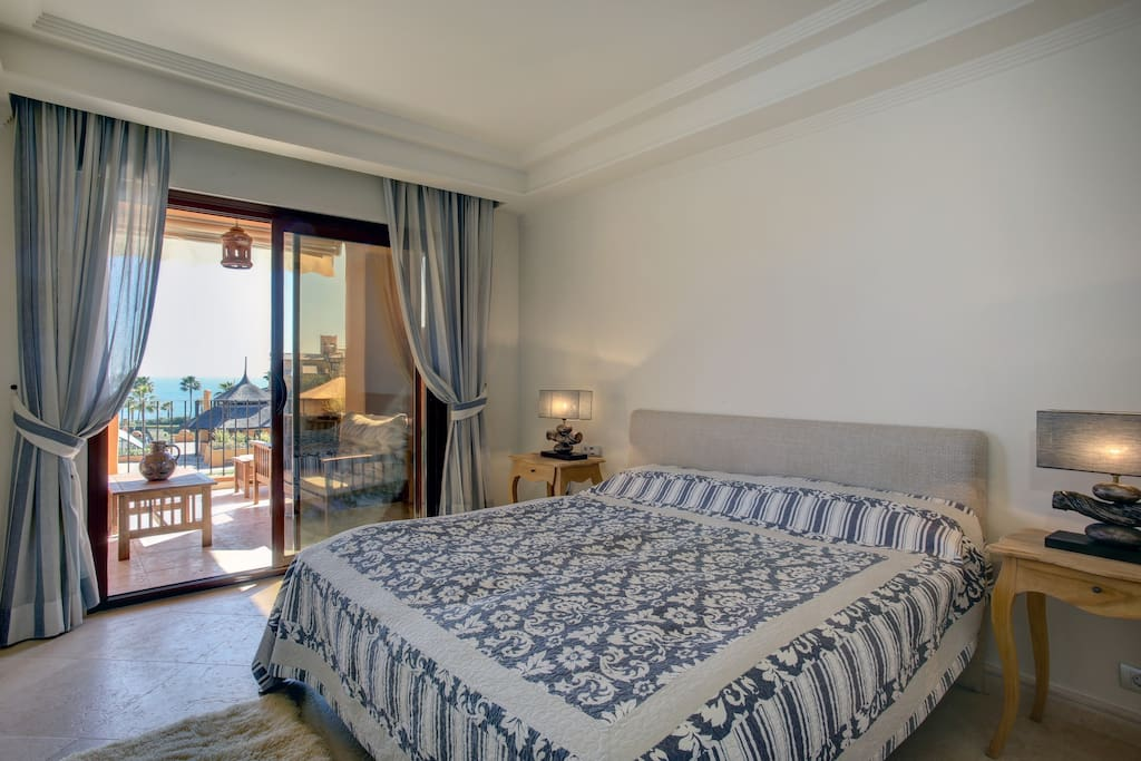 Master bedroom, view on the sea from your bed and hear the waves