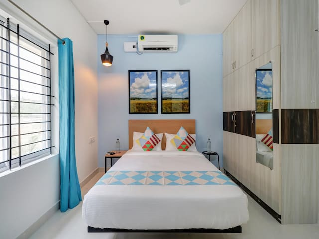 OYO - Superb 1BR Stay in the Silicon Valley of India