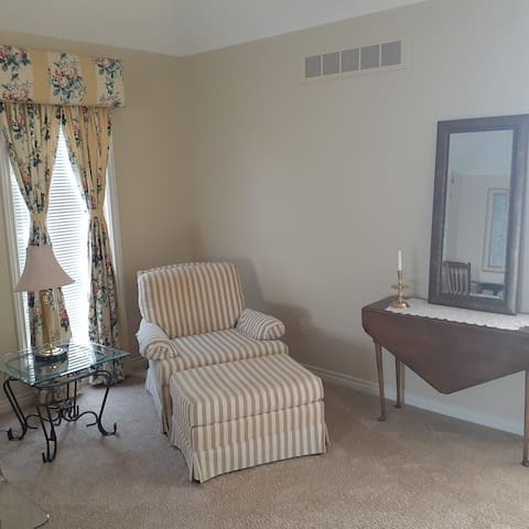 Gorgeous Large Private Room