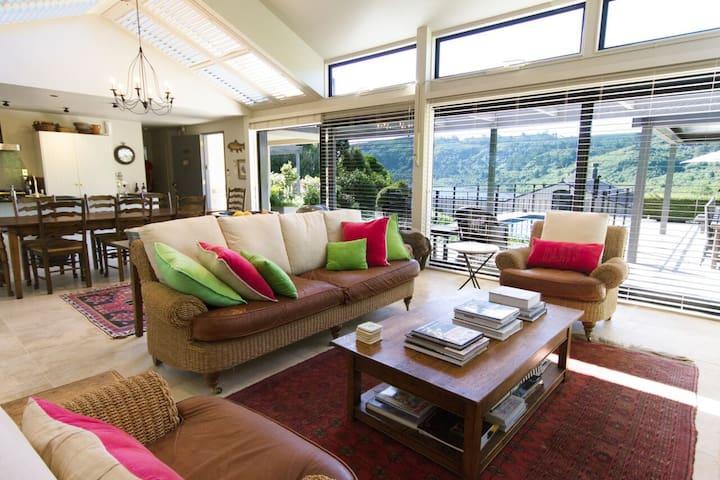 Luxury Villa Accomodation in Taupo