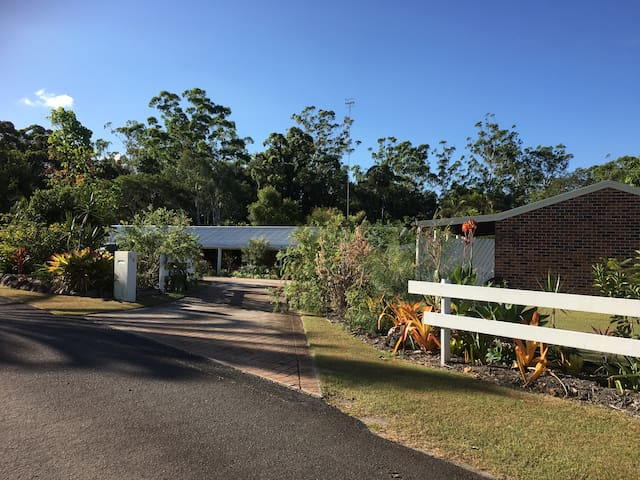 Private Coastal Country Cottage in Noosa Parklands
