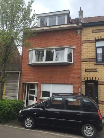 Recent gerenoveerd huis 140 m2 - Oostende - House