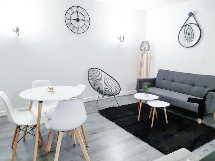 """""""Appartement moderne cosy et Calme - 15 min Paris"""""""