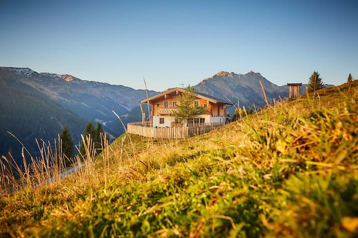 Alpine deluxe chalet-Wallegg Lodge