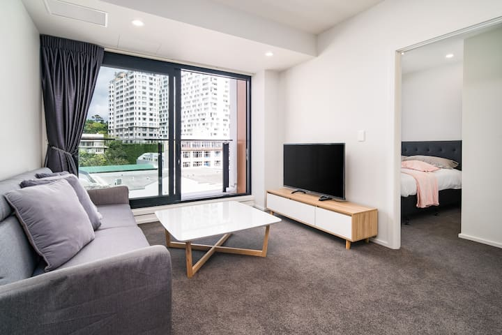 Central City Brand New 2 Bedrooms Apartment L7
