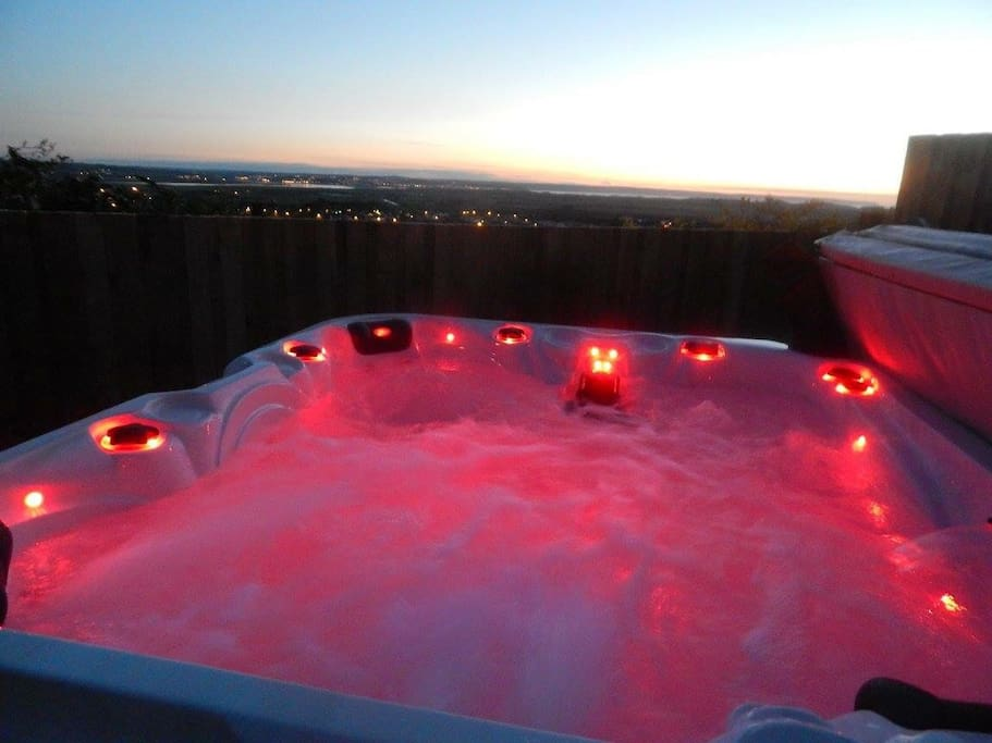 Hot tub with view of the sea and Braunton Village