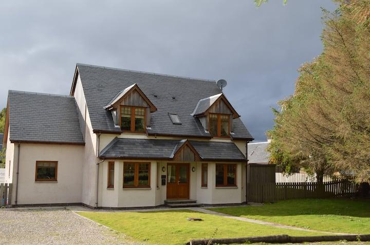 Spacious Peaceful Highland Retreat