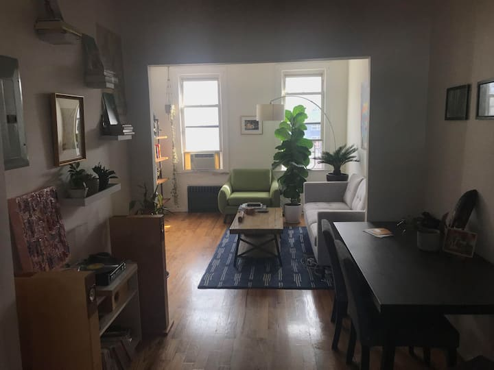 Huge 2 bedroom in Williamsburg with tons of light