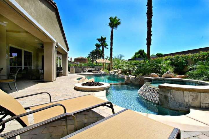 'Serenity' Pool, Spa, Fire Pit, 5 Bed, Sleeps 16 - Indio - House