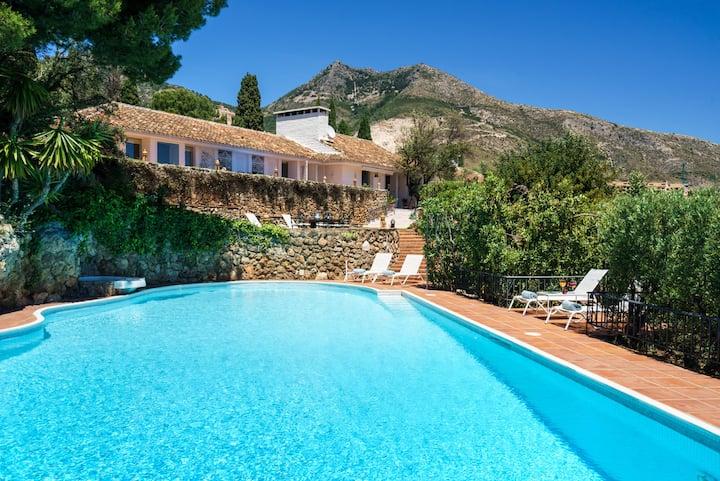 Luxury Holiday Villa * 2 Pools