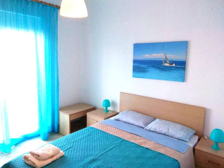 Flat / 1st / 60s.m. / 4 beds / 5 persons
