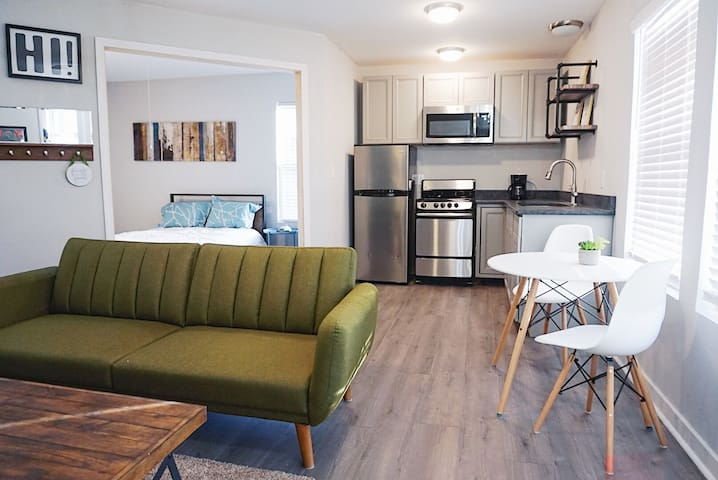Modern Studio Minutes from Uptown, Music Factory