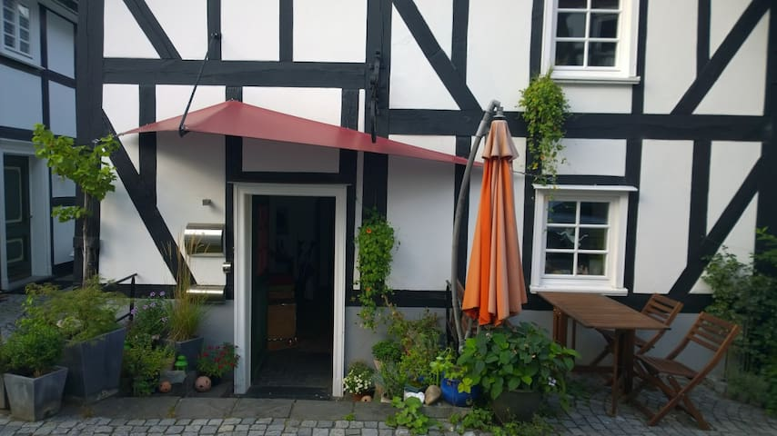 Studio in the medieval town of Freudenbergb - Freudenberg - Gjeste suite